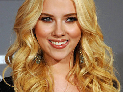 Actress Scarlett Johansson is another celebrity who has had nude pics leaked ...